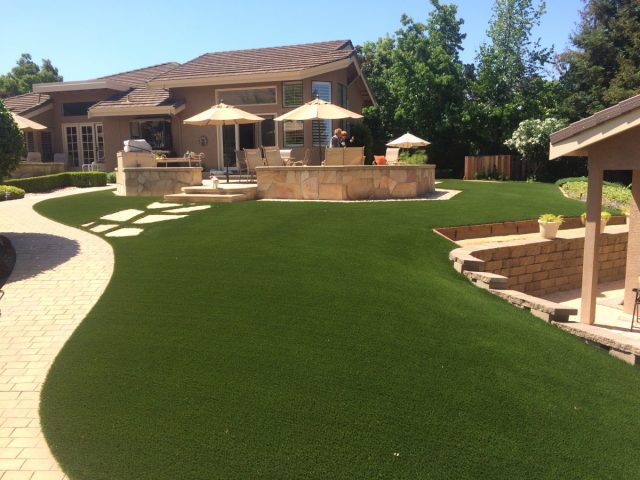 Project: Fremont, CA Synthetic Grass & Decorative Rock/Gold Fines